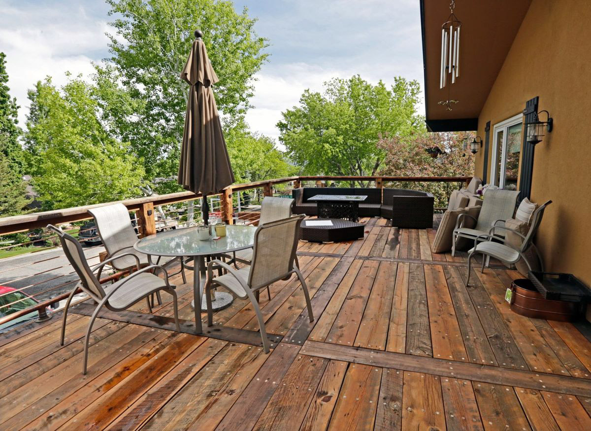 Choosing The Best Contractor For Your Outdoor Improvement Project