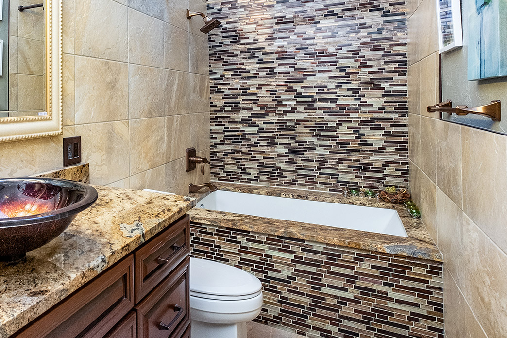 Bathroom Remodel: 5 Reasons To Add a Jacuzzi